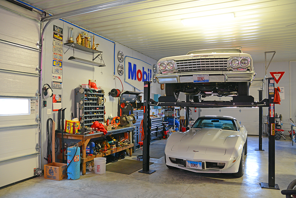 Auto Shop with Lift